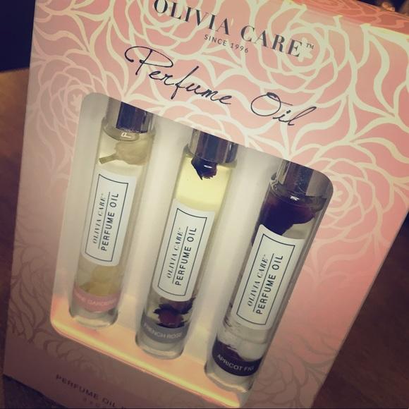 Olivia Care Perfume Oil Rollerball Trio NWT